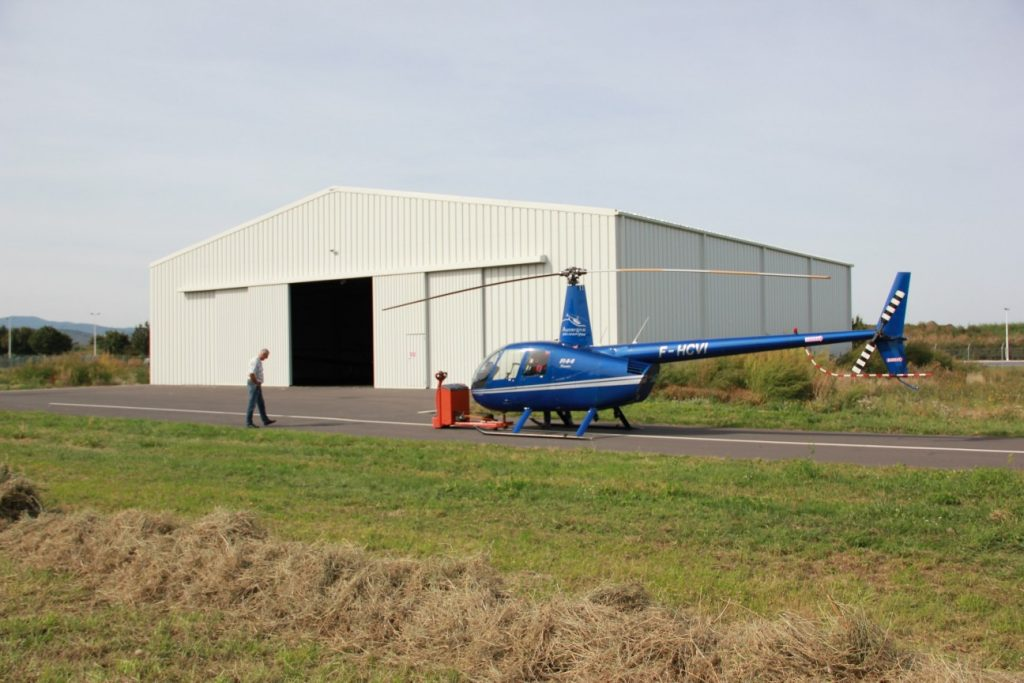 holdbare hangarer for helikoptere