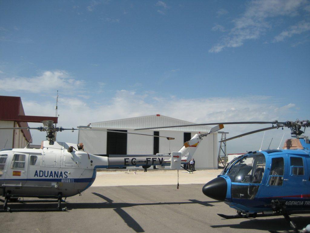 opførelse af flyvemaskinehangar